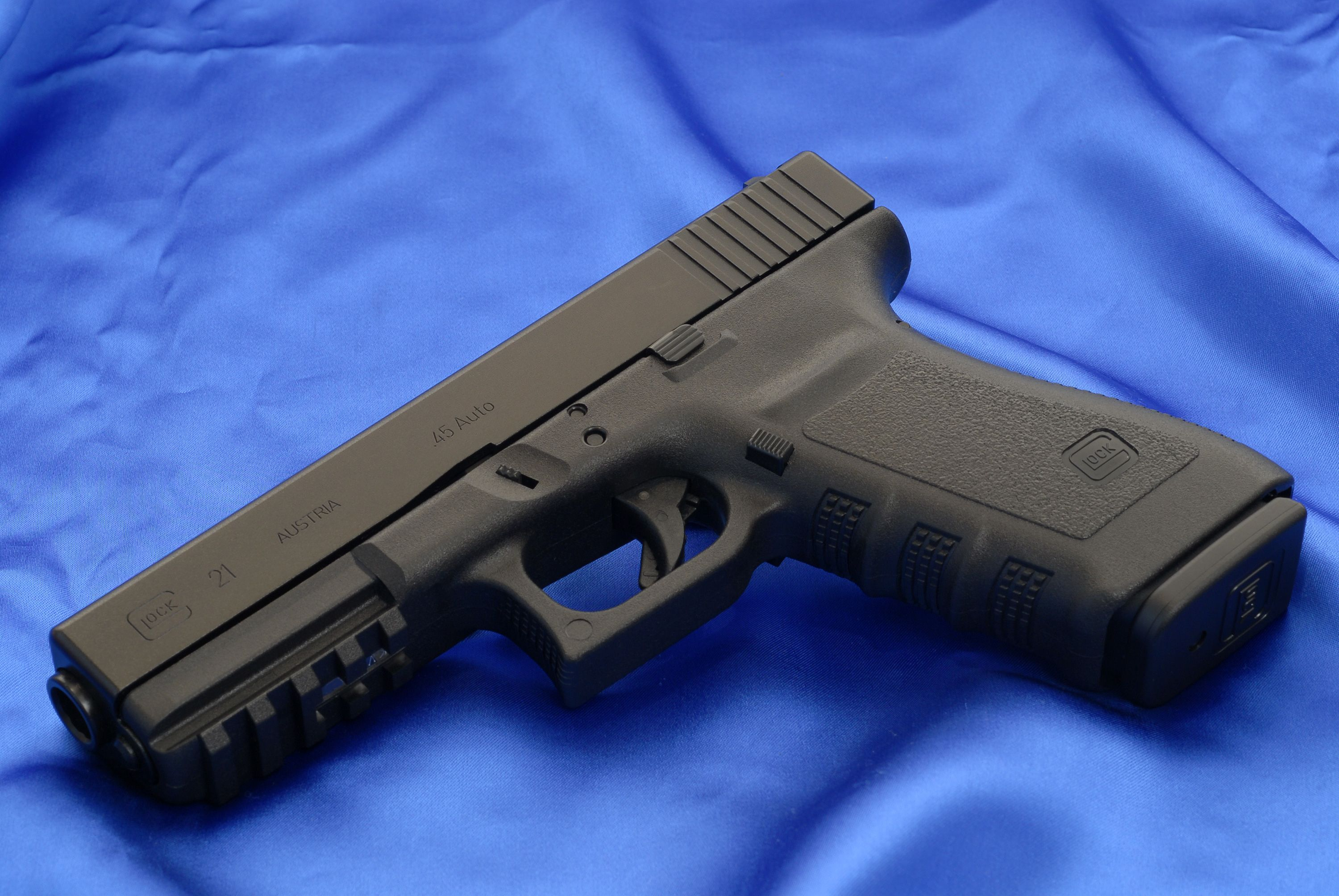 g21sf-picatinny-left-full-hi.jpg (3000×2008) Glock 21 SF (Short ...