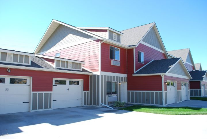 Townhome Style Pet Friendly Garage Included In Rent Billings Mt Rentals Town Home Apartment