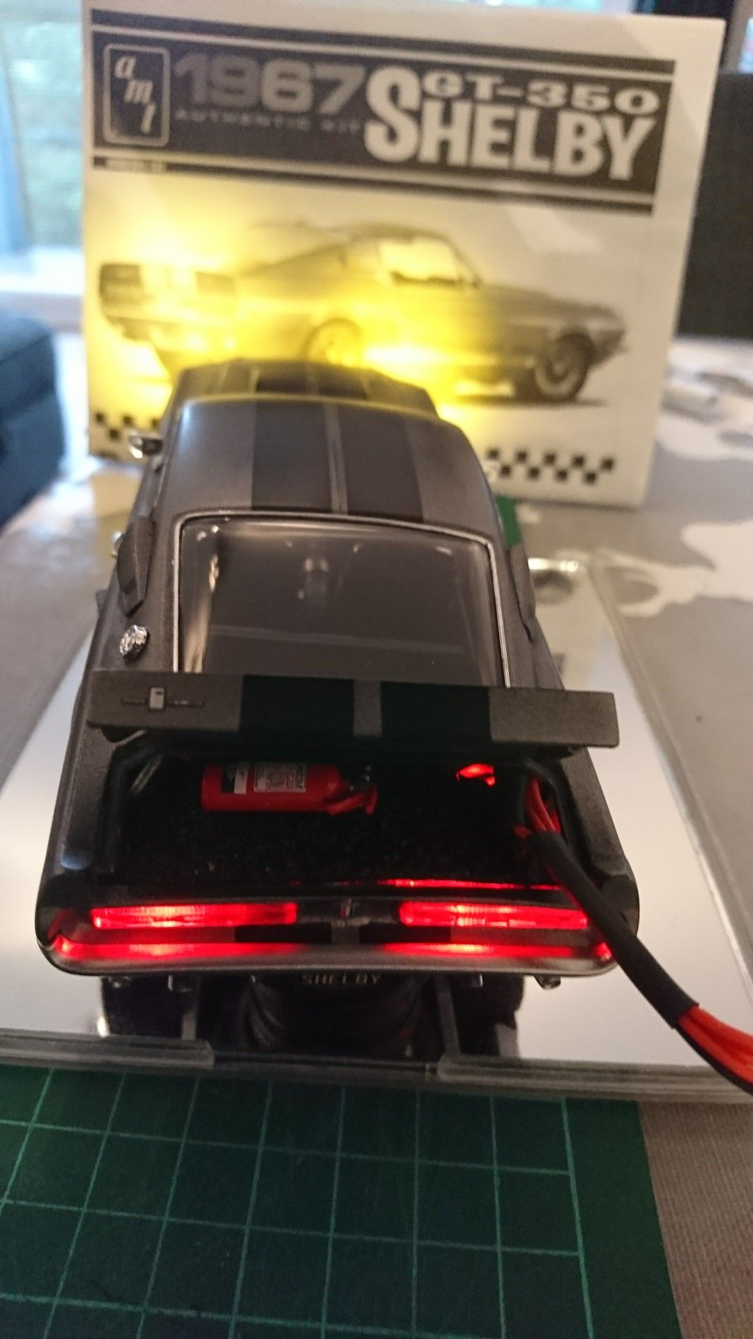 1 25 scale model amt 1967 ford mustang gt 350 shelby complete with lighting