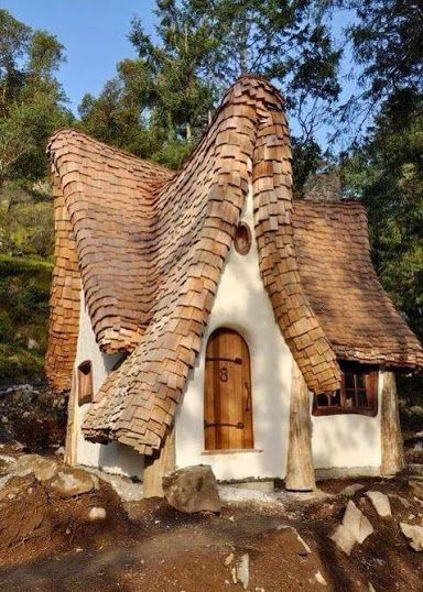 What a lovely house - how would you like to live here? Originally shared on Google+