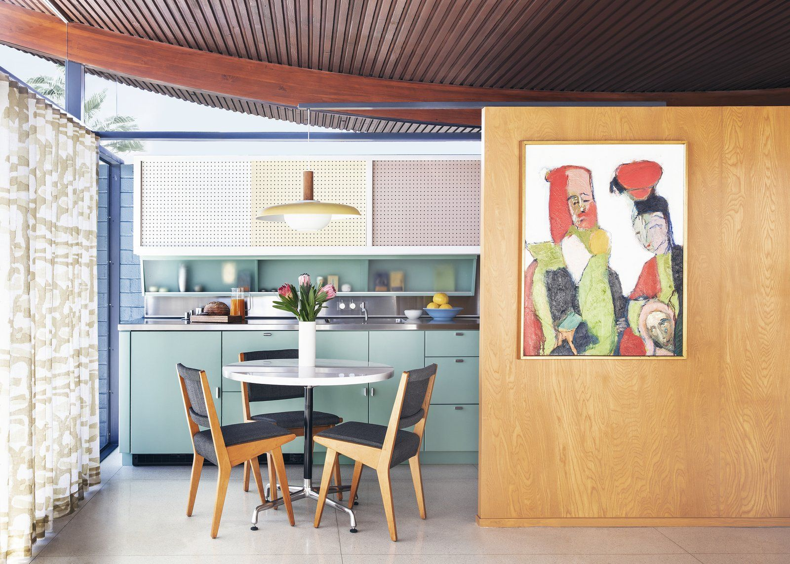 Photo 9 Of 10 In Before After This Historic Midcentury With A In 2020 One Bedroom House Modernism Week Interior