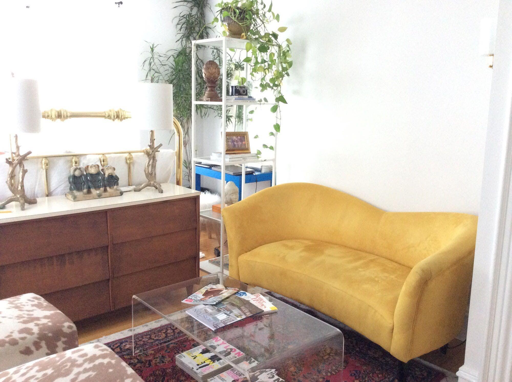 A Set Designer's Almost Entirely Craigslist Apartment ...