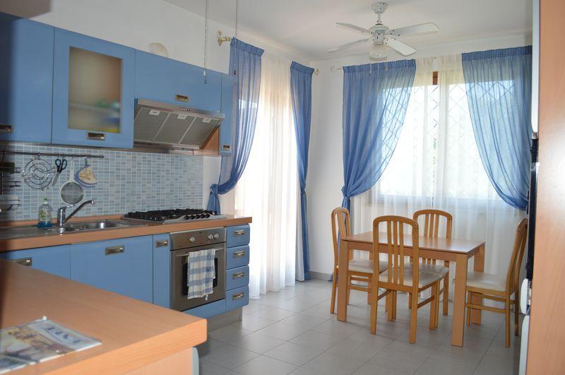 Anzio Villa Claudia Villa Angolare | Appartamenti, Cucina ...