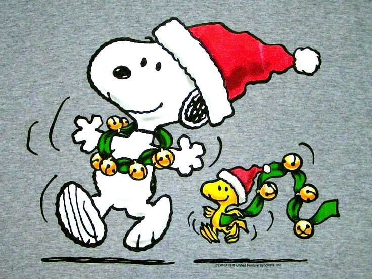 Jingle bells! Snoopy and Woodstock decorate for Christmas ...