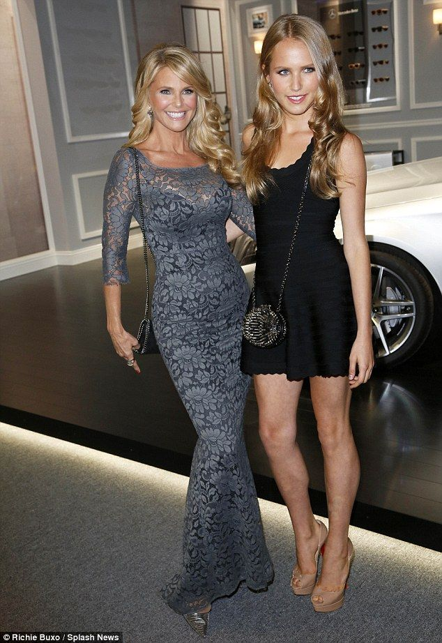Those Are Some Good Genes Christie Brinkley 59 And Daughter
