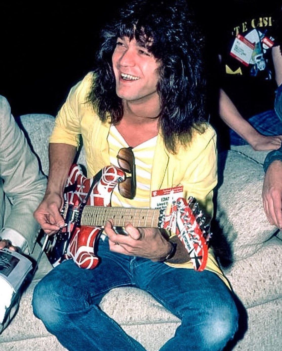 Eddie With 5150 Kramer With Images Eddie Van Halen Van Halen Guitarist