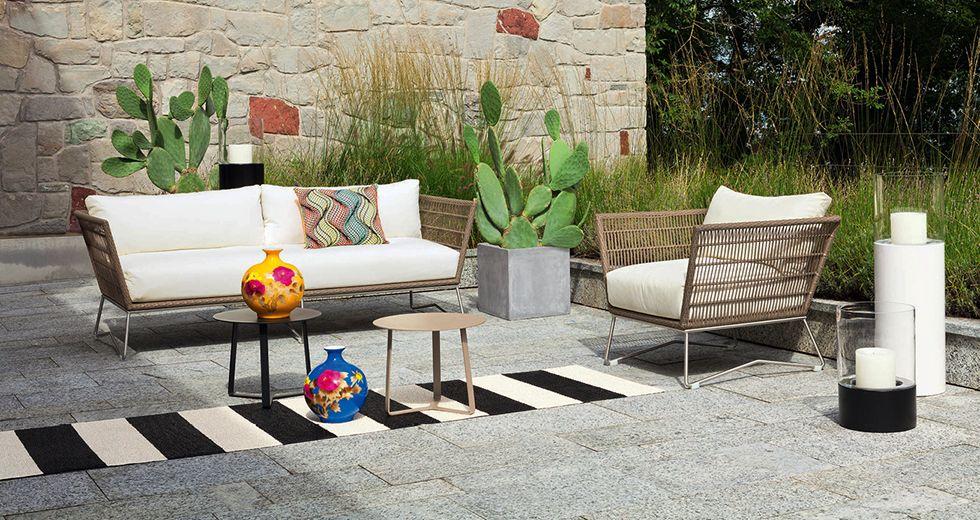 Modern und trotzdem gemütlich: Die RIVER Outdoor Lounge mit Sofa ...