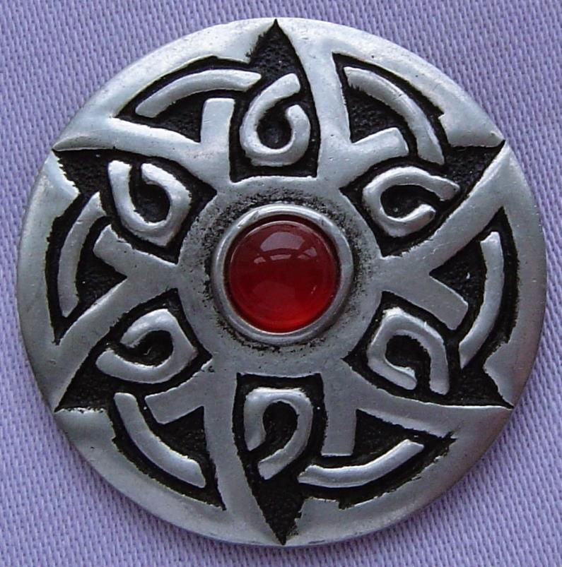 Superb This Fabulous Pewter Brooch Was Handcrafted In Cornwall, England And  Depicts A Wonderful Celtic Style