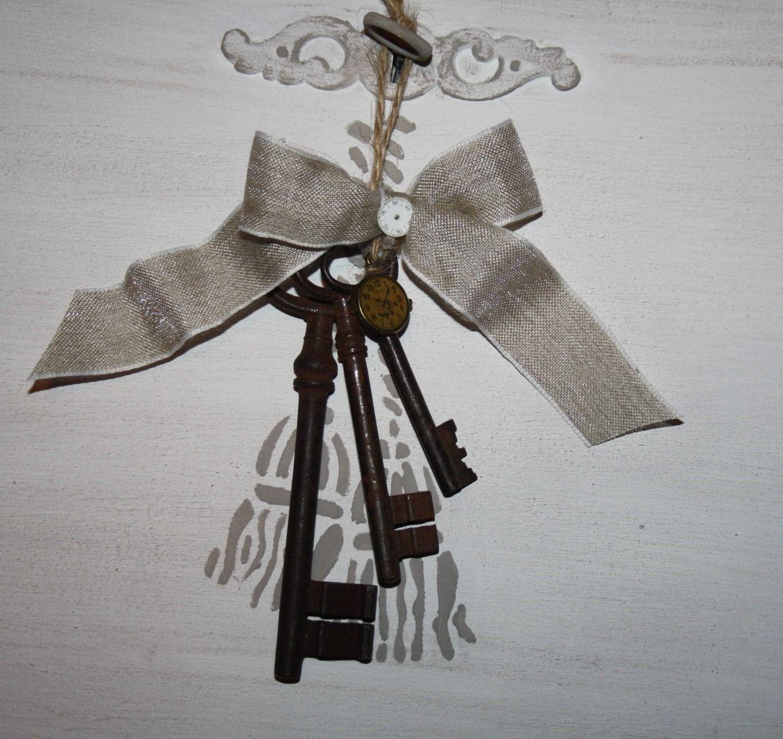 Trousseau d 39 anciennes clefs en objet d coratif accessoires de maison par la cage a deco for Objets decoration maison