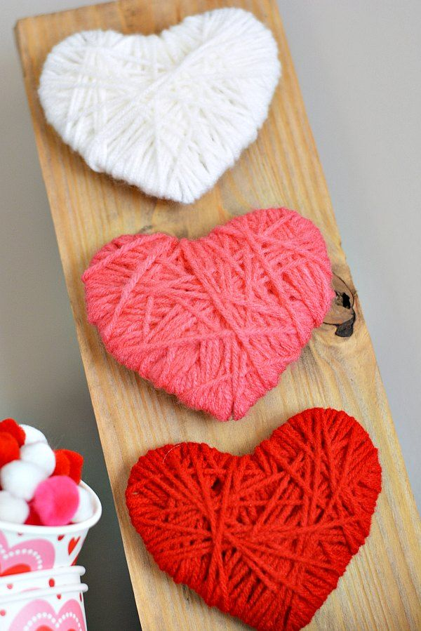 Miss The Christmas Decorations Make This Easy Heart Wood