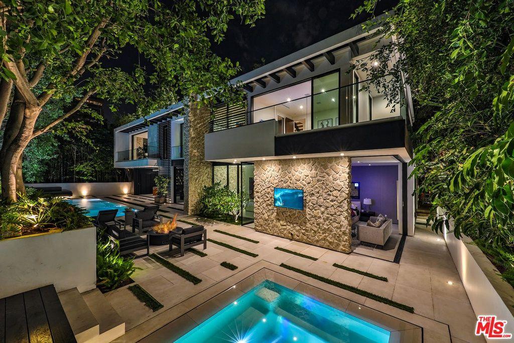 1240 Sierra Alta Way Los Angeles Ca 90069 Mls 19419396 Zillow Luxury Homes Mansions Courtyard Entry