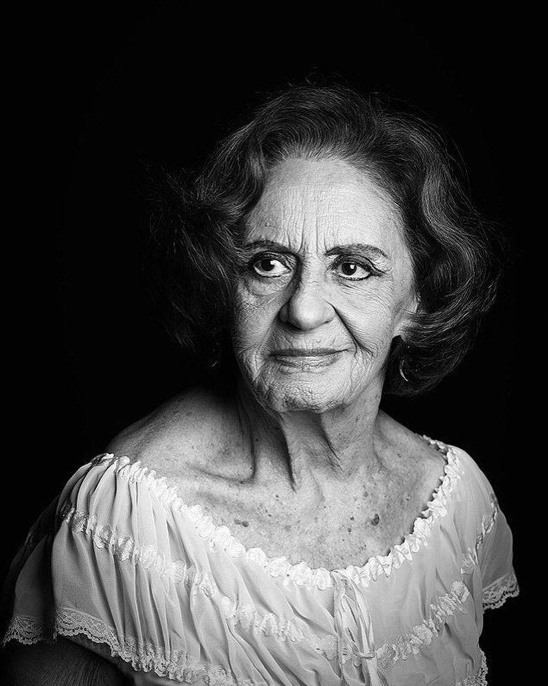 """Claudia Raia on Instagram: """"Feliz Aniversário para uma das Rainhas da  dramaturgia Brasileira, minha amada Laura Cardo…   Portrait, Interesting  faces, Female artists"""