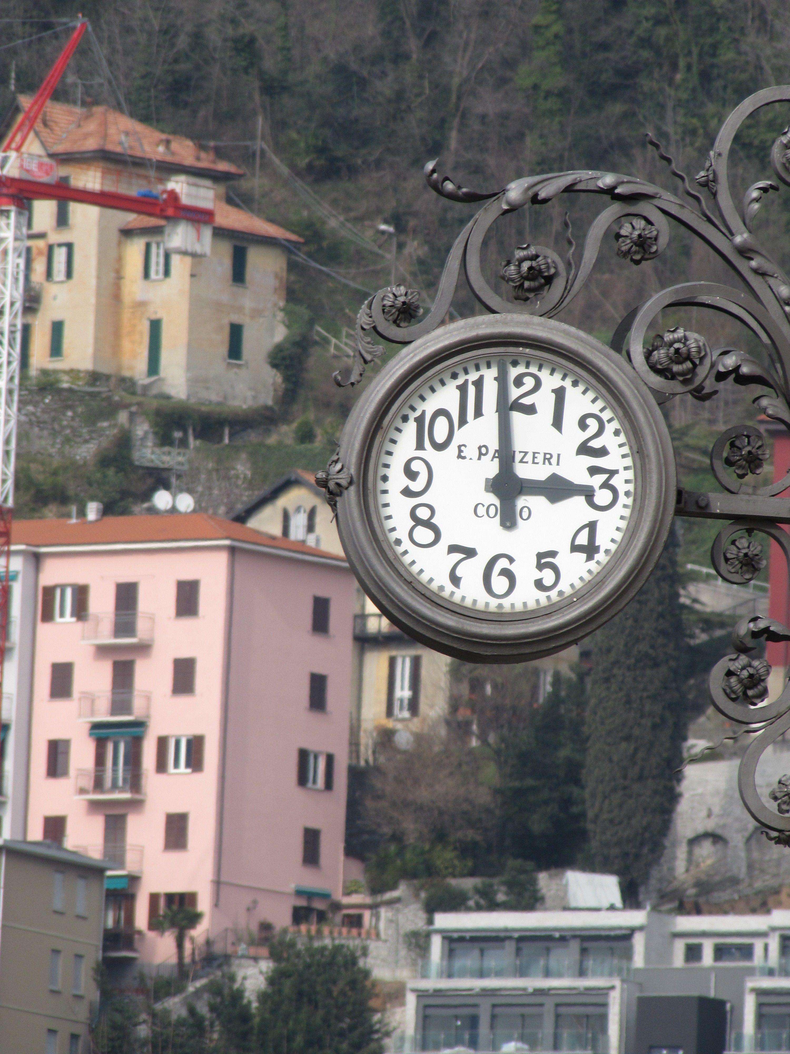 3 o'clock on Lake Como