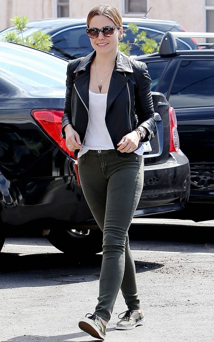 love the smooth color choice with the black boots   Sophia