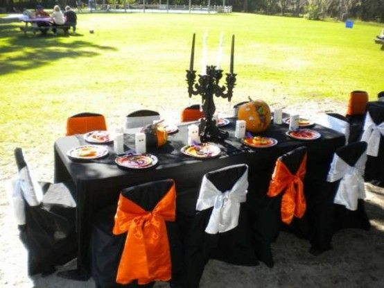 28 Awesome Outdoor Halloween Party Ideas DigsDigs Halloween