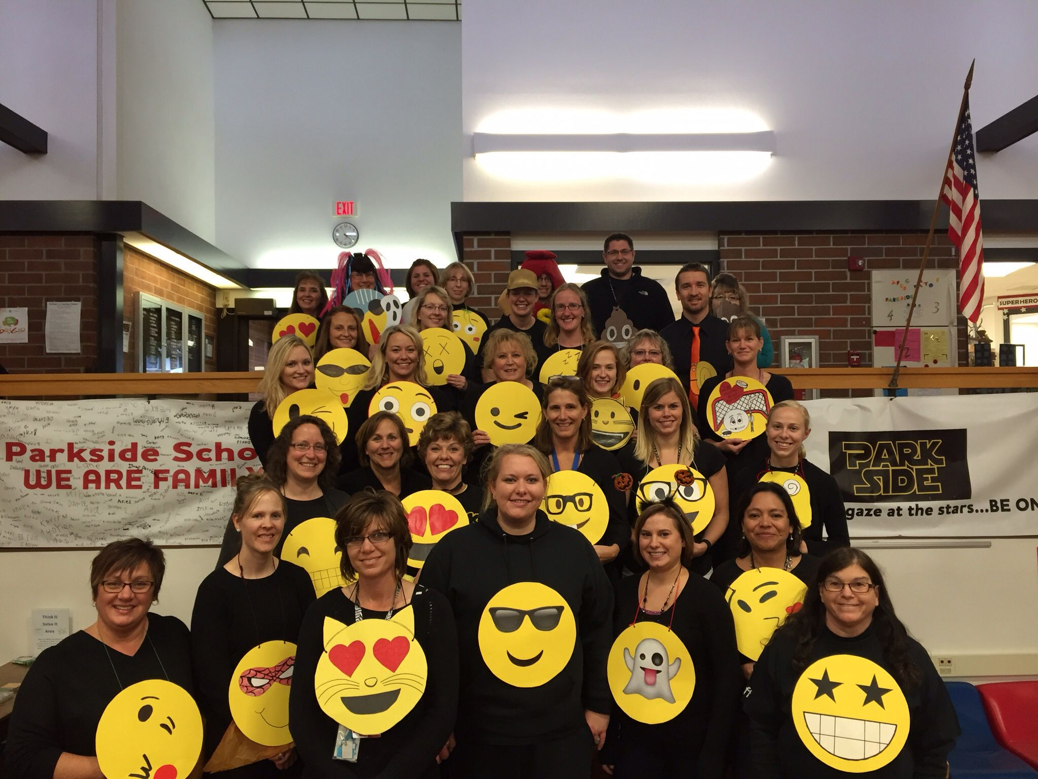 easy group costume! parkside teachers' emoji costumes! teacher
