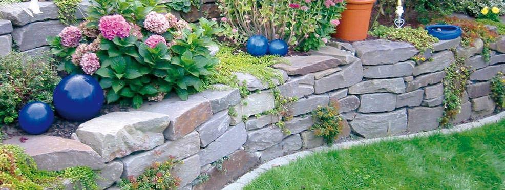 Trockenmauer Naturstein сад Pinterest Raised flower beds - garten mit natursteinen gestalten