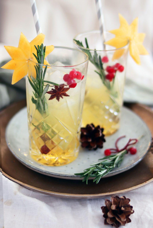 festlicher weihnachtscocktail mit apfel und birne  rezept