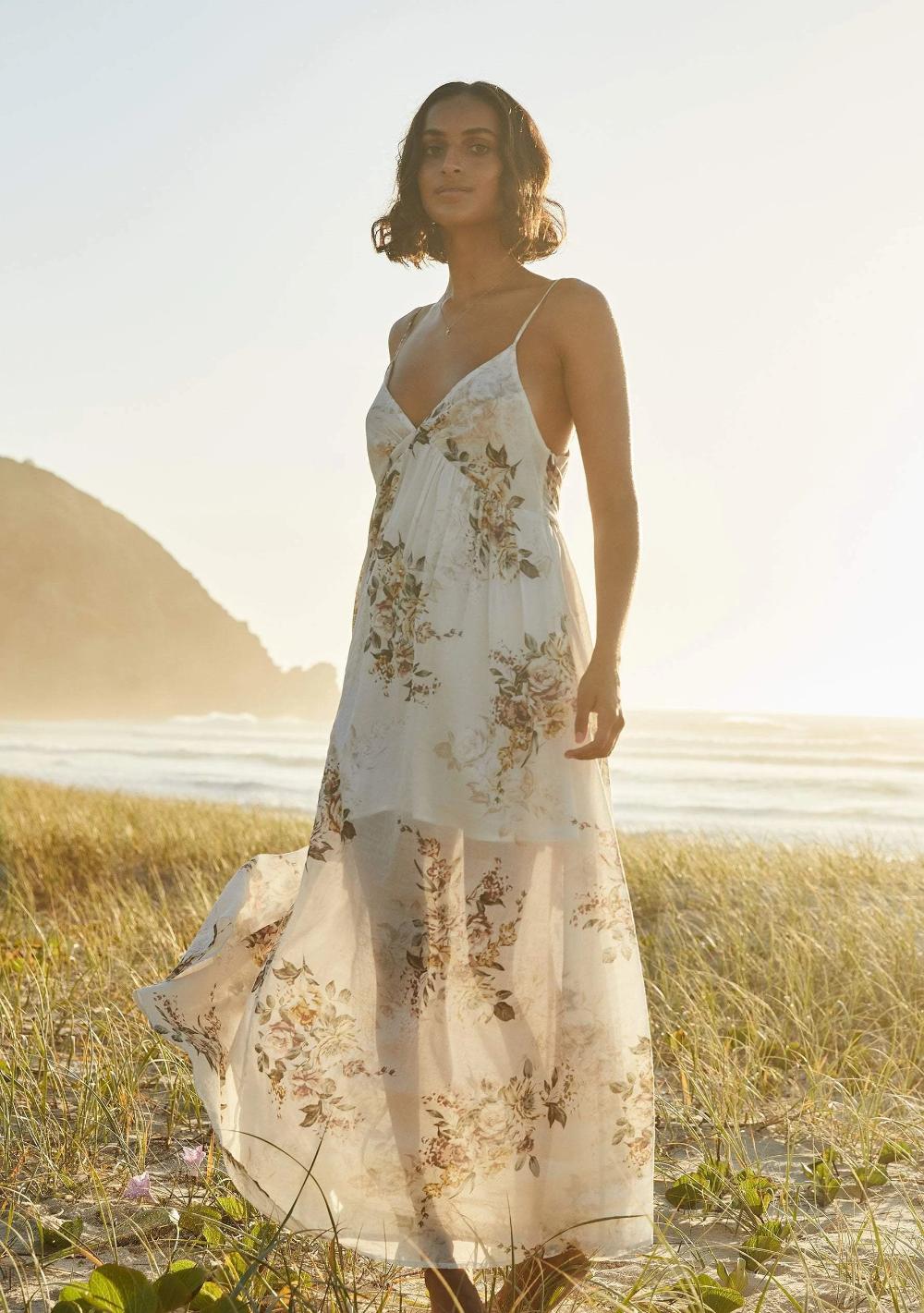 Alice Seville Maxi Dress Ivory In 2020 Cute Maxi Dress Bohemian Dress Maxi Dress