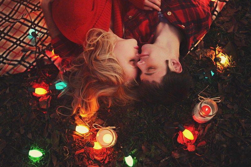 Новогодние картинки с влюбленными парами, ленточка