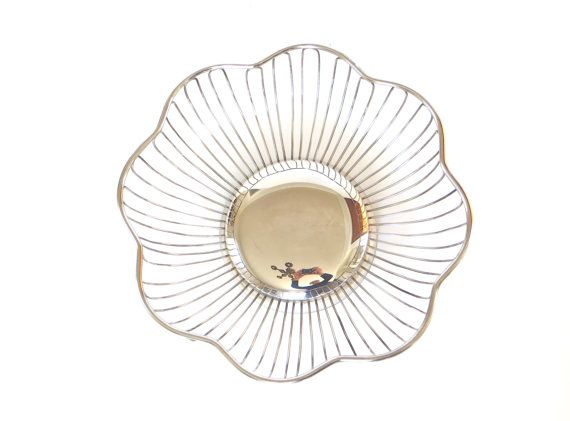 Bread Basket Fruit Tray Midcentury Modern by CloudyFloral on Etsy, $17.00
