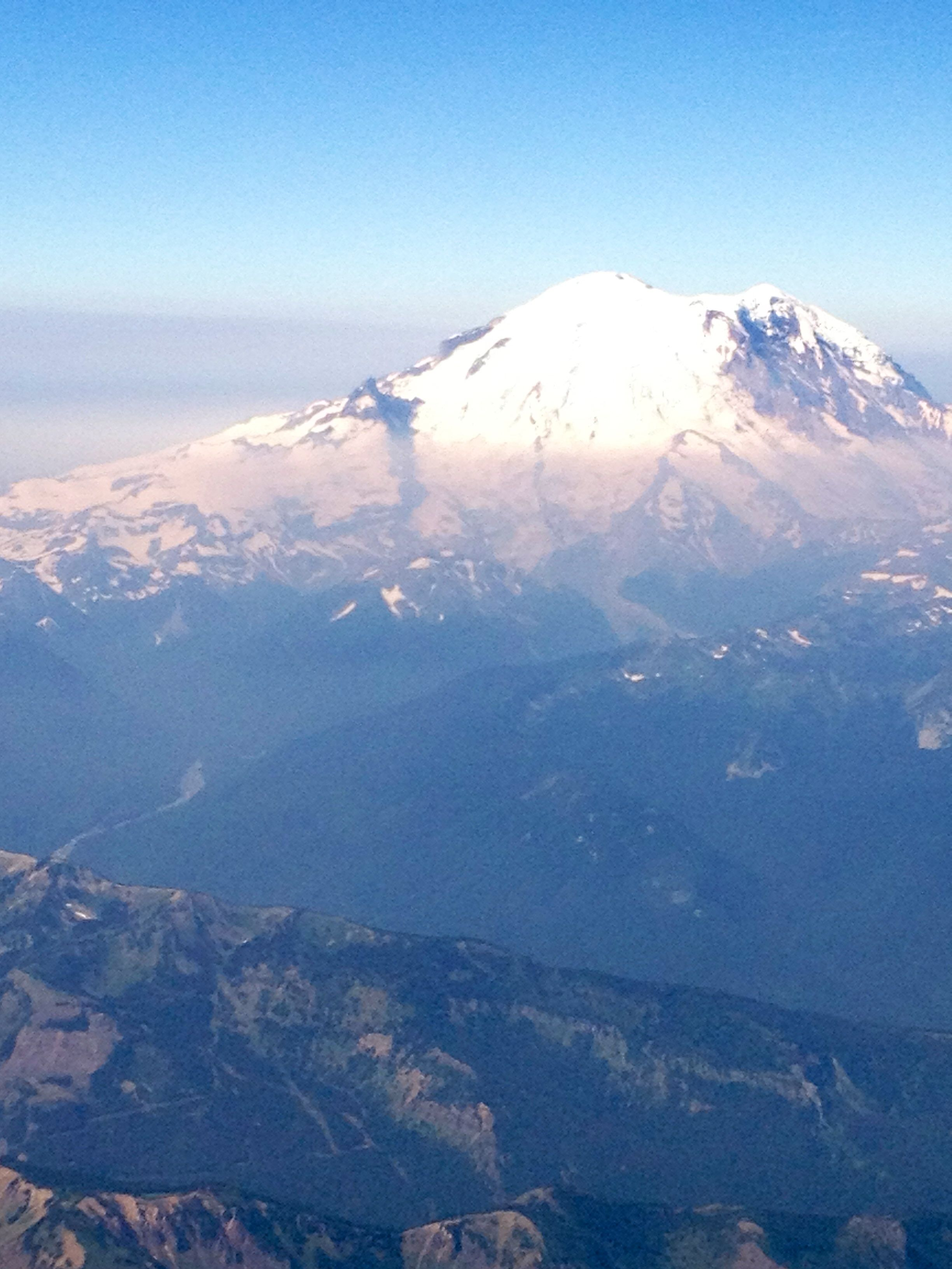 Mt Ranier From The Plane Flying Into Seattle Cant Beat The View - Flying to seattle washington