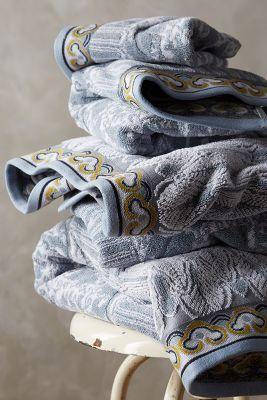 Woven Nadia Towel Set