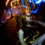 """Ellightpainting""""es un espacio donde la creática fluye de forma instintiva. La imprecisión generada por haz de luz utilizados en personas, elementos y caos son medidos a precisión.""""  Jorge Cobos nació en 1973 en la Ciudad de México, tiene una trayectoria de 15 años en la disciplina de la fotografía que desarrolla de manera comercial …"""
