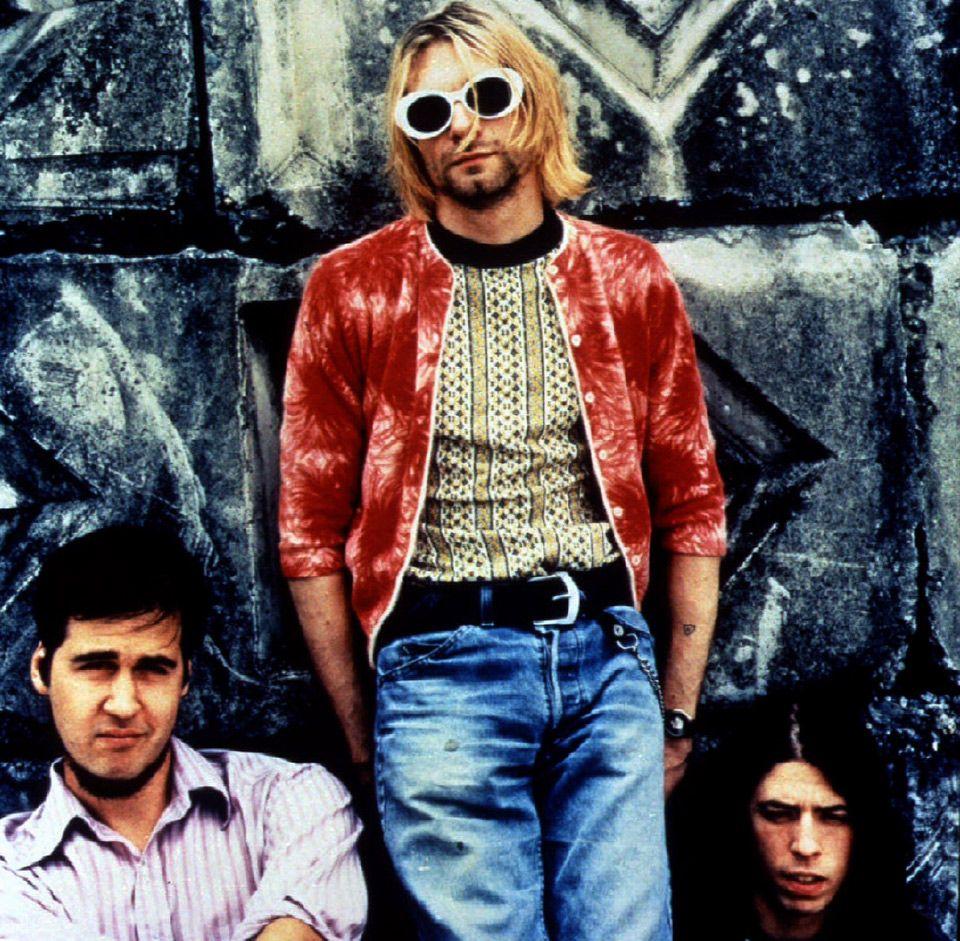 Le Groupe Et Le Grunge Kurt Cobain Style Kurt Cobain Nirvana Kurt Cobain [ 941 x 960 Pixel ]