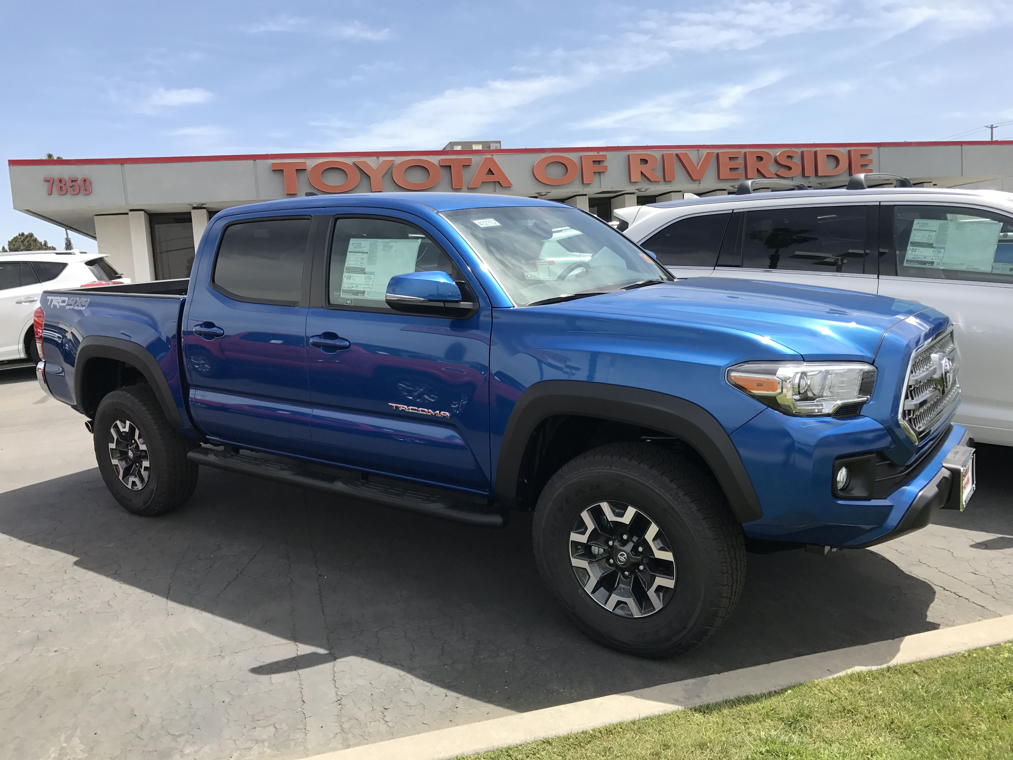 Blazing Blue Toyota Ta a Double Cab 4x4 TRD f Road