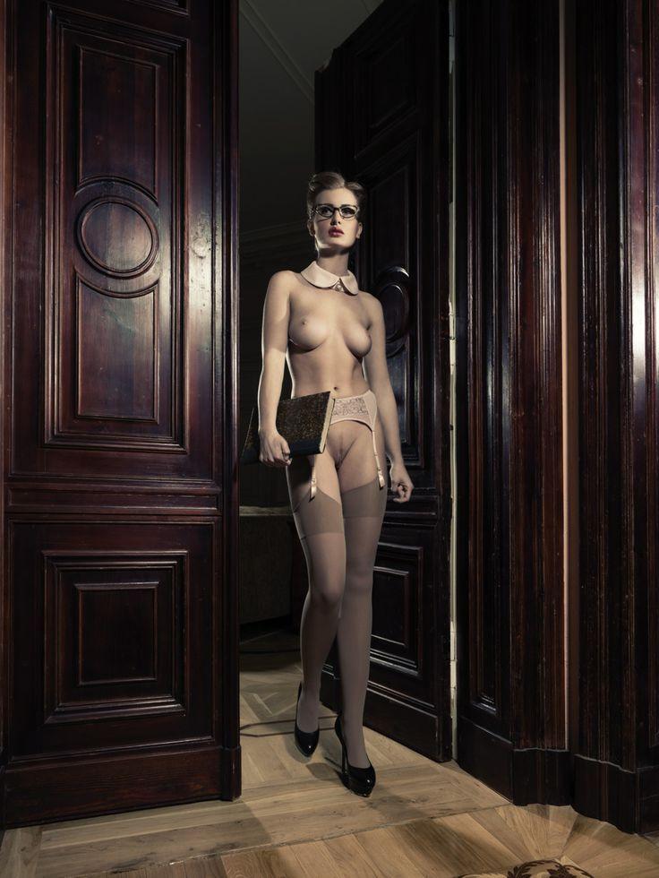 DecoArt24.pl teacher is coming  #MichalPaz #nudeart #beauty #woman #artist #artphotography #artphoto #fotografiaartystyczna  #nudephotography #nudeart #decoart24.pl #camiceriaitalia