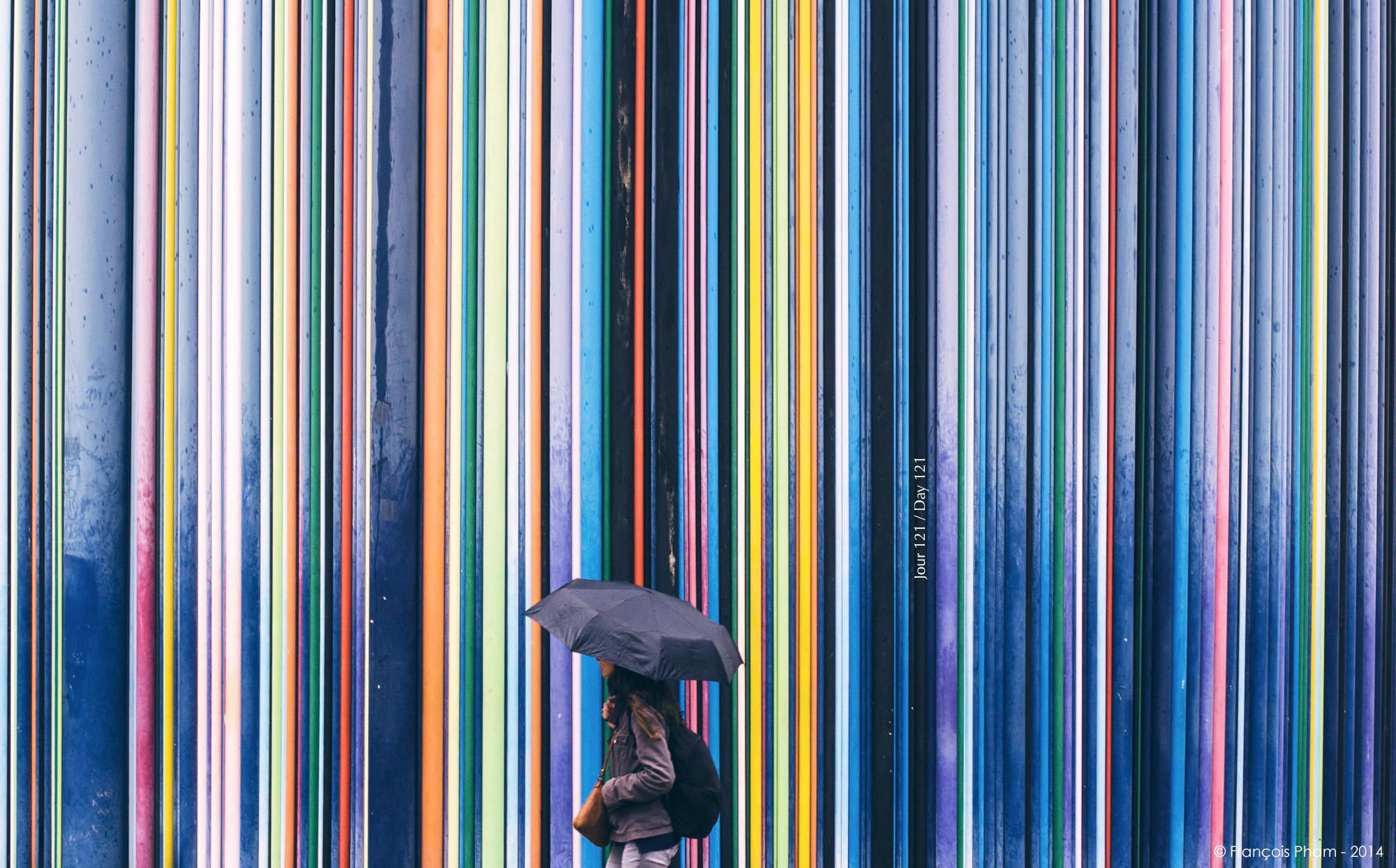 Vertical Line Art : Vertical lines street art a paris public