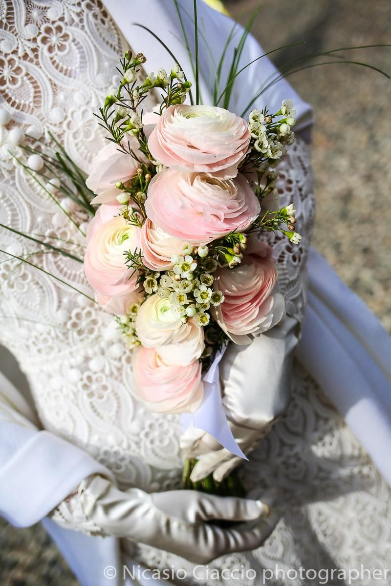 Bouquet Sposa Ranuncoli.Bouquet Sposa Ranuncoli Rosa In 2020 Flower Bouquet Wedding