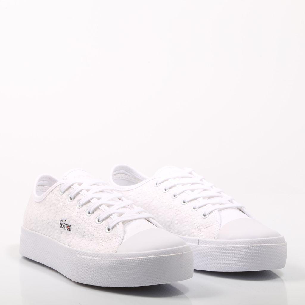 c9206d26f3 Zapatillas de Lacoste en color blanco con suela y puntera de goma.