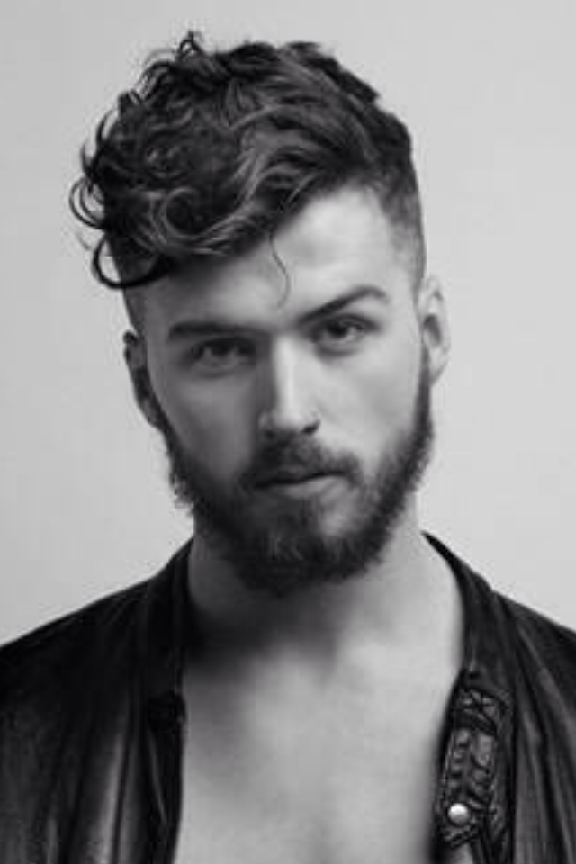 Mantastic Stylish Undercut With A Curl Men S Hairstyle Trends Haircuts And Styling Men S Hair Men S Fa Curly Hair Men Wavy Hair Men Male Haircuts Curly
