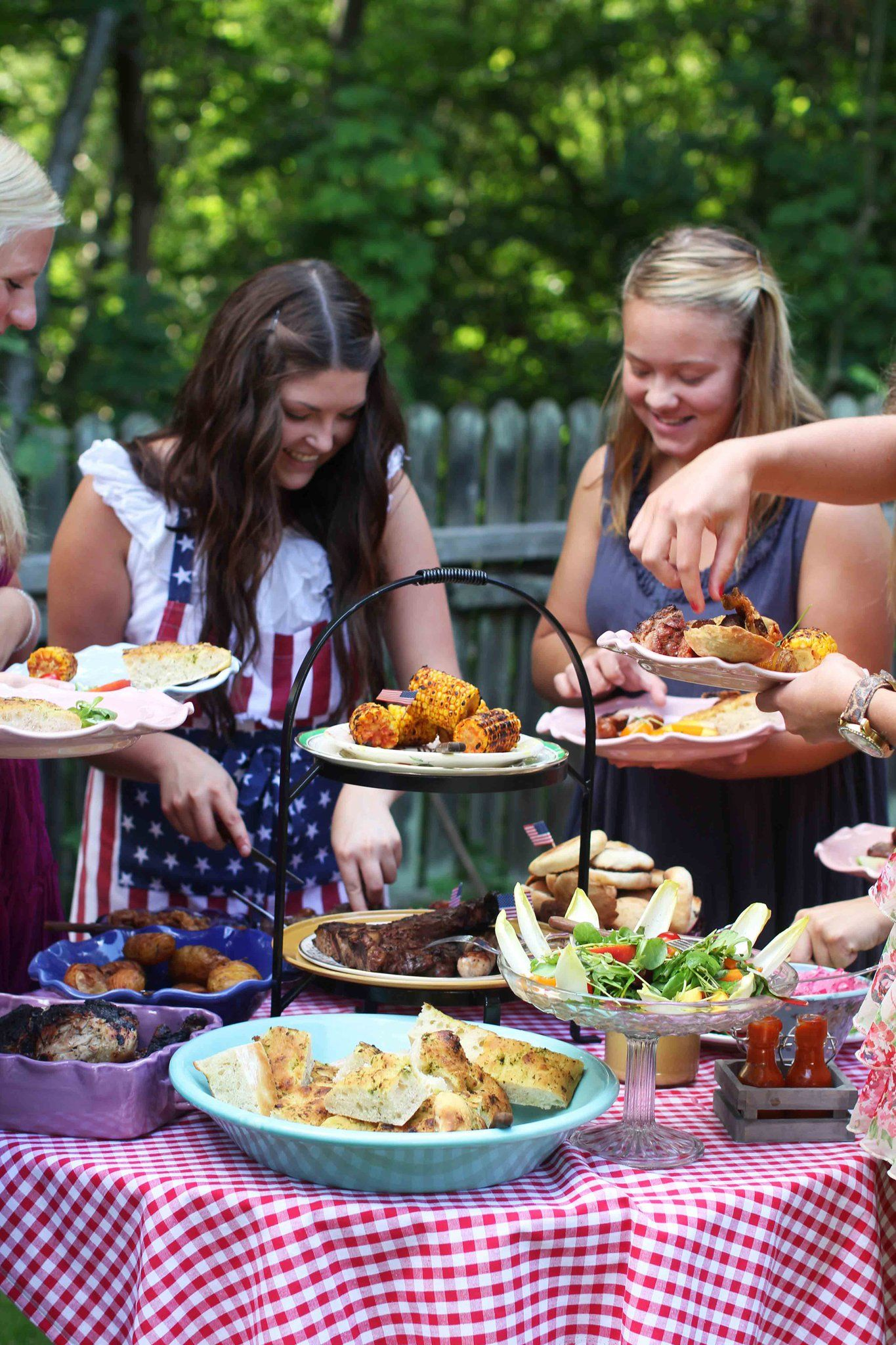 Arrange A Barbecue The Day Before The Wedding So The Guest