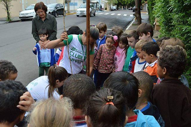 E nesta sexta-feira (3), nossa equipe realizou mais um plantio na escola Municipal Alice Couto de Moraes, em Araçatuba.  Escola que planta árvores, colhe bons frutos. #meioambiente #clubedaarvore #aracatuba #cidadeverde