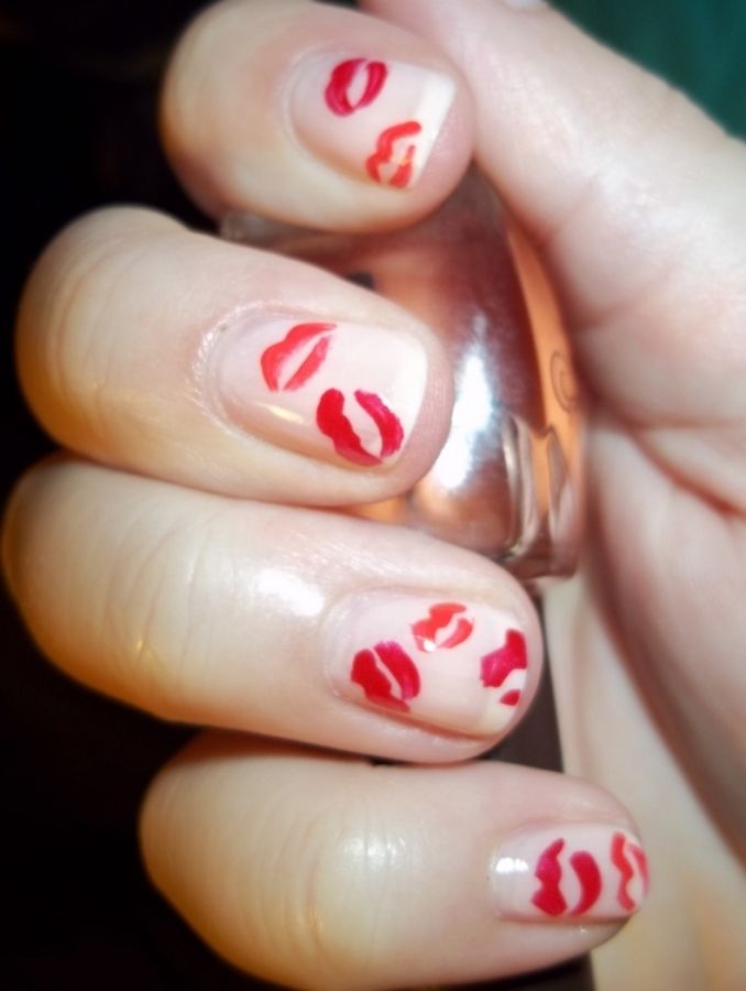 Valentine\'s Day nail art | Nailed IT | Pinterest | Kiss, Kiss nails ...