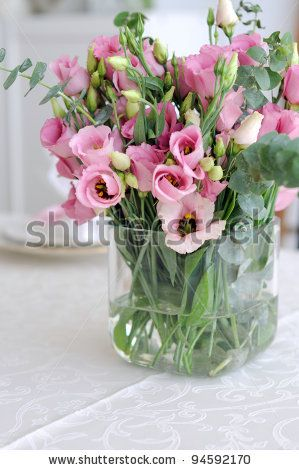 Bouquet Of Pink Lisianthus In Glass Vase Beautiful Flower Arrangements Flower Arrangements Flower Vases