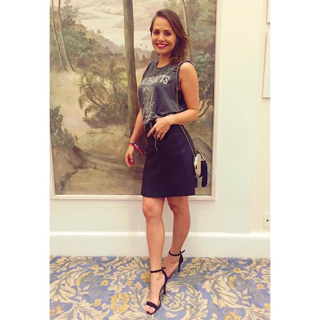 Leticia Colin (@leticia_colin_) • Fotos e vídeos do Instagram | Foto e  video, Instagram, Fotos