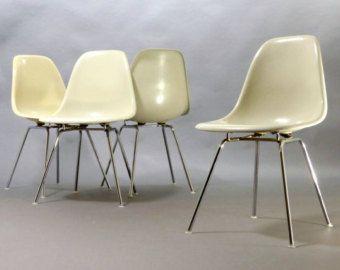 70s   Herman Miller   Vitra   Charles Eames Fiberglas Chair Sidechair Stuhl  White, H Base