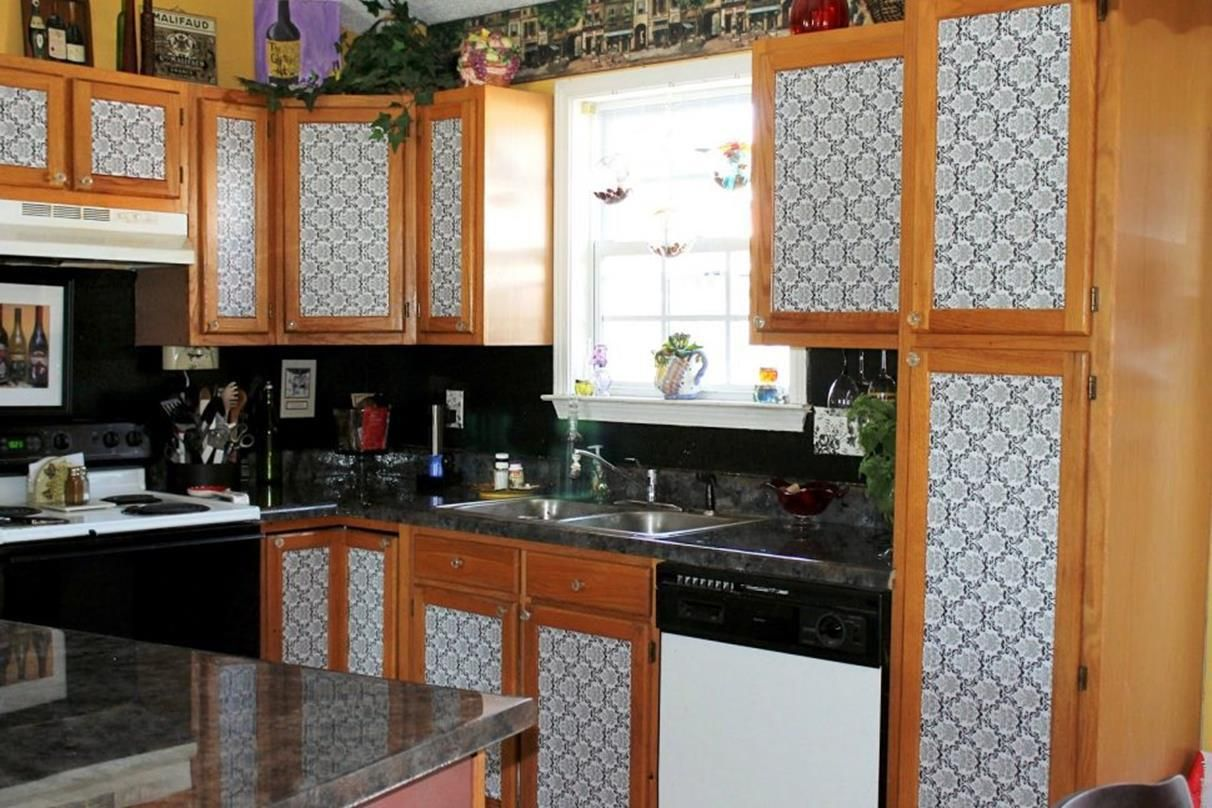 49 Awesome Design Kitchen Cabinet Makeover Ideas On A Budget Go Diy Home Diy Kitchen Cabinets Makeover Kitchen Design Diy Kitchen Cabinets Makeover