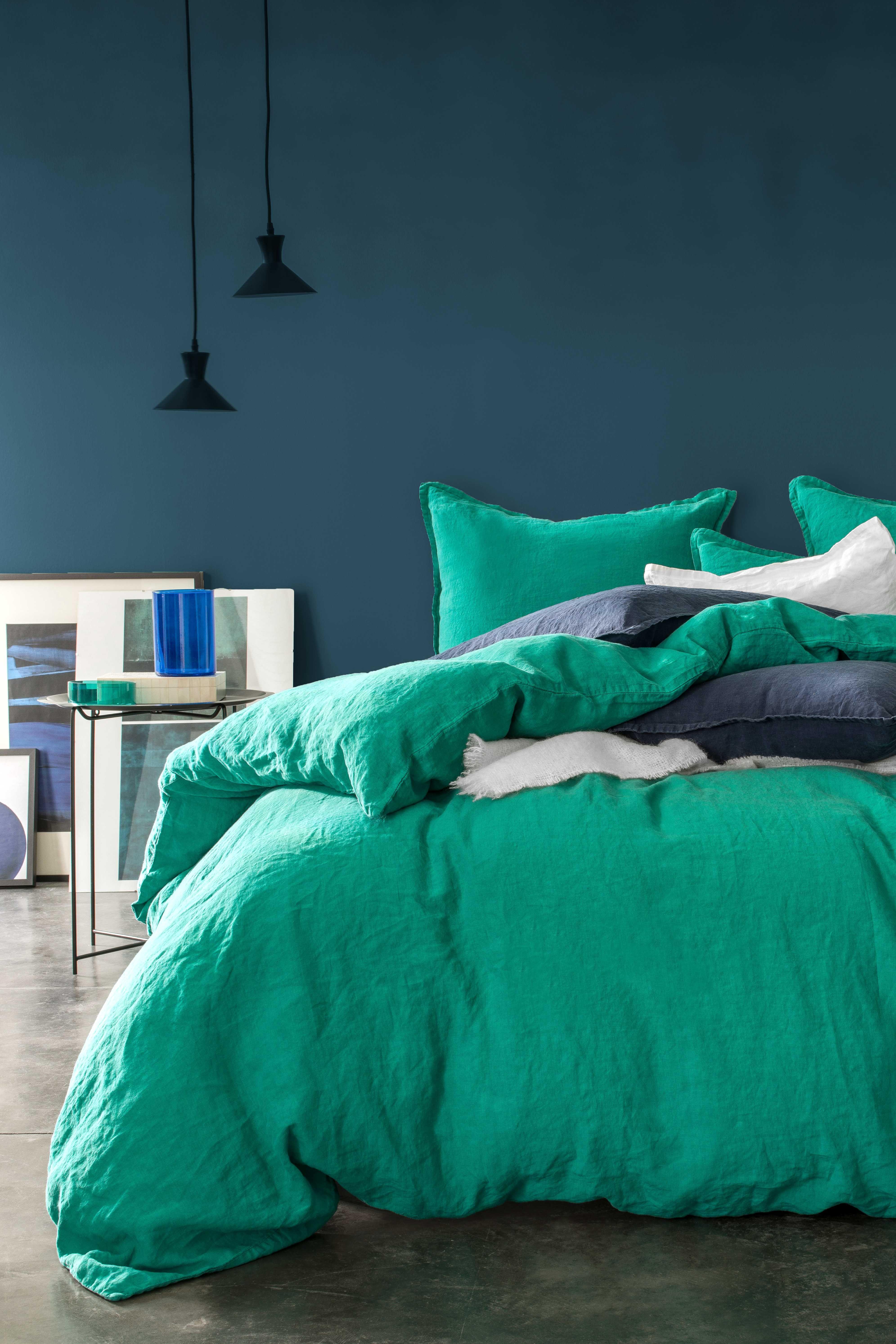 vert meraude couleur vert meraude couleur with vert meraude couleur gallery of chaussure. Black Bedroom Furniture Sets. Home Design Ideas