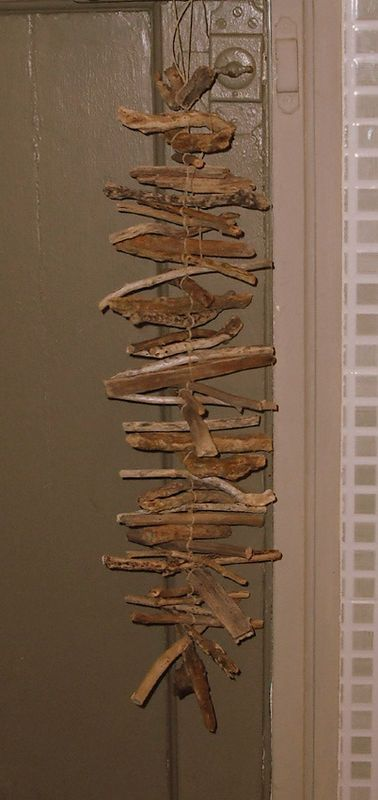 Driftwood hanging. I should make one of these!