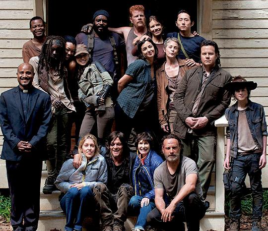Reedusmcbridedaily: TWD Cast Season 5 Behind The Scenes