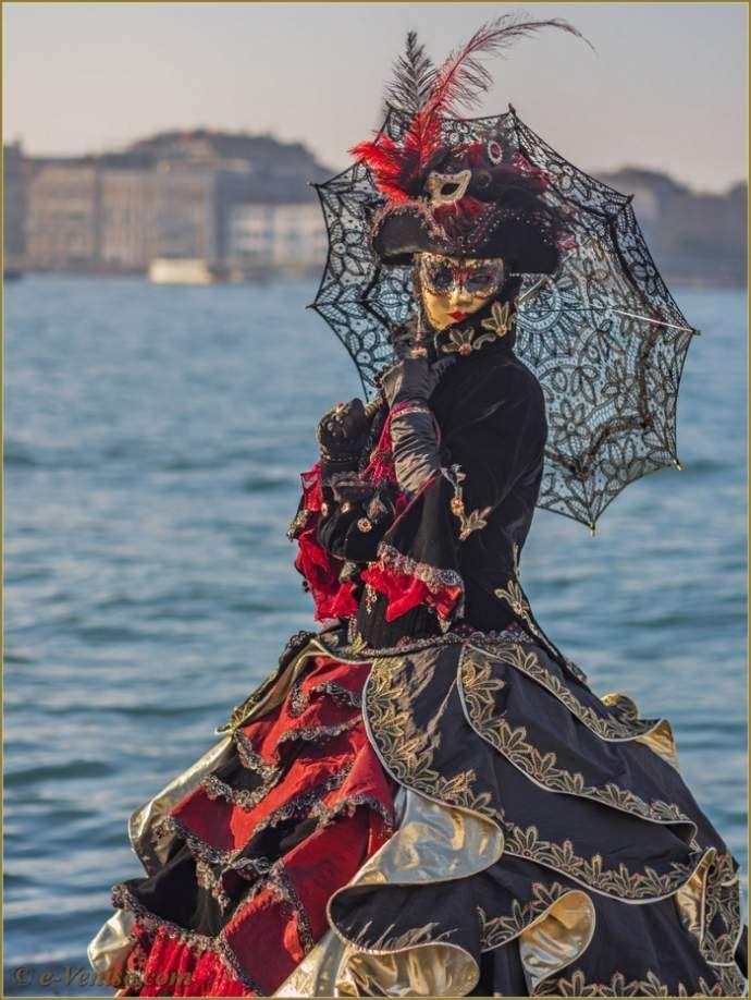 carnaval de venise les masques et costumes masques de venise pinterest masking. Black Bedroom Furniture Sets. Home Design Ideas