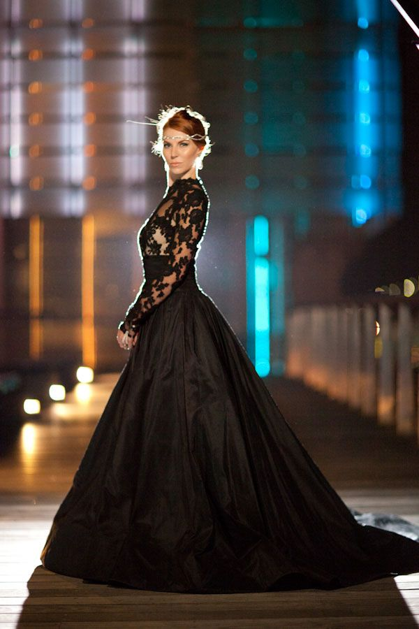 Queen Of The Night- Elegant Black Wedding Dresses With Sophisticated Style e8b7d9354b79