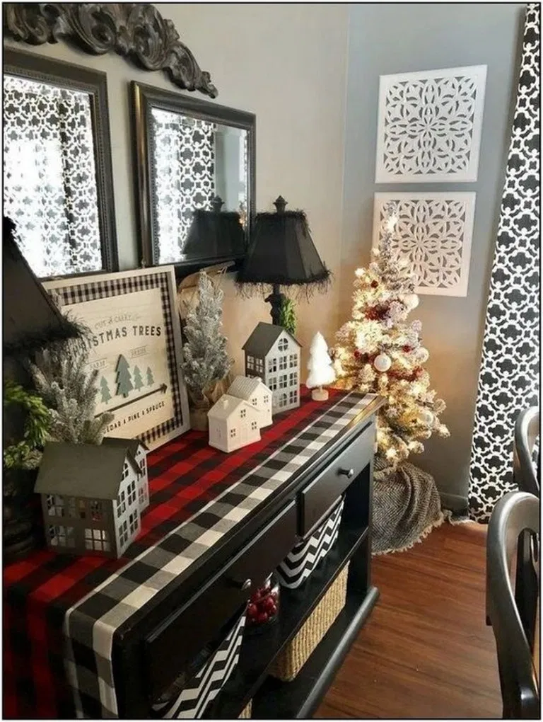 √35 Beautiful Winter Home Decoration Ideas To Inspire You #winterdecoration #h…