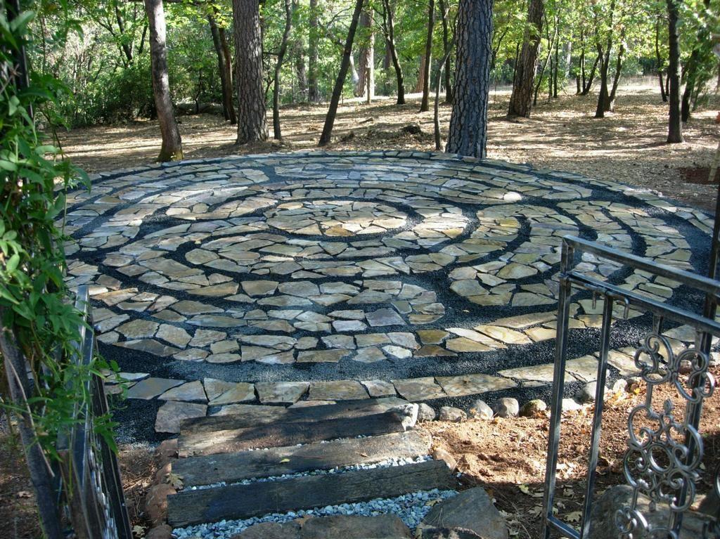 Attrayant Labyrinth Garden Designs | Paradise Design Labyrinth Through The Garden  Gate From Farraru0027s .