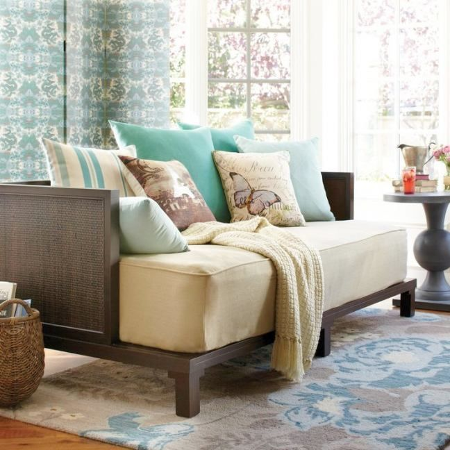 What is a Daybed Couch and How Can it Best be Used? Living Room